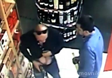 Сотрудники полиции в Центральном округе задержали подозреваемых в кражах из магазина