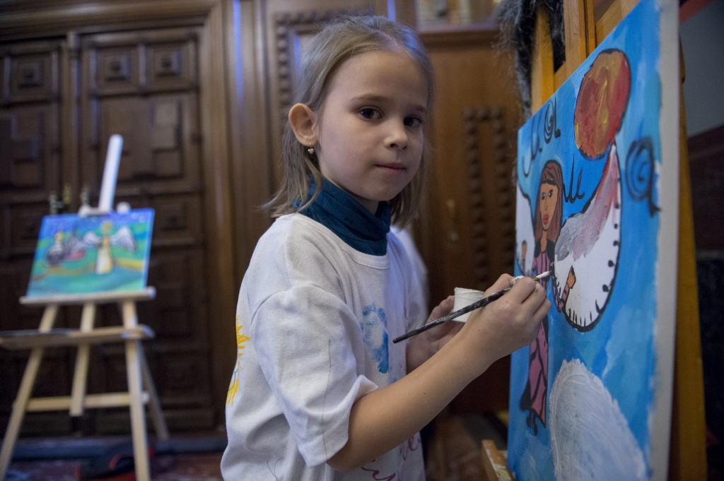 Посетителям библиотеки имени Аркадия Гайдара покажут работы юных горожан