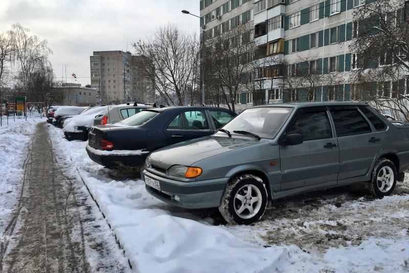 Более тысячи автомобилистов продлили свои абонементы на парковку в феврале