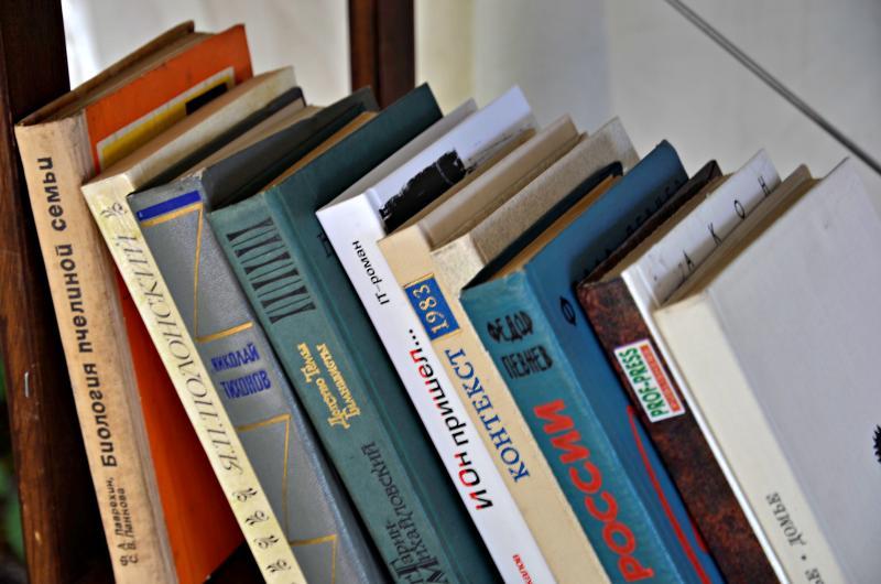 Свыше 161 тысячи списанных книг забрали жители столицы из библиотек
