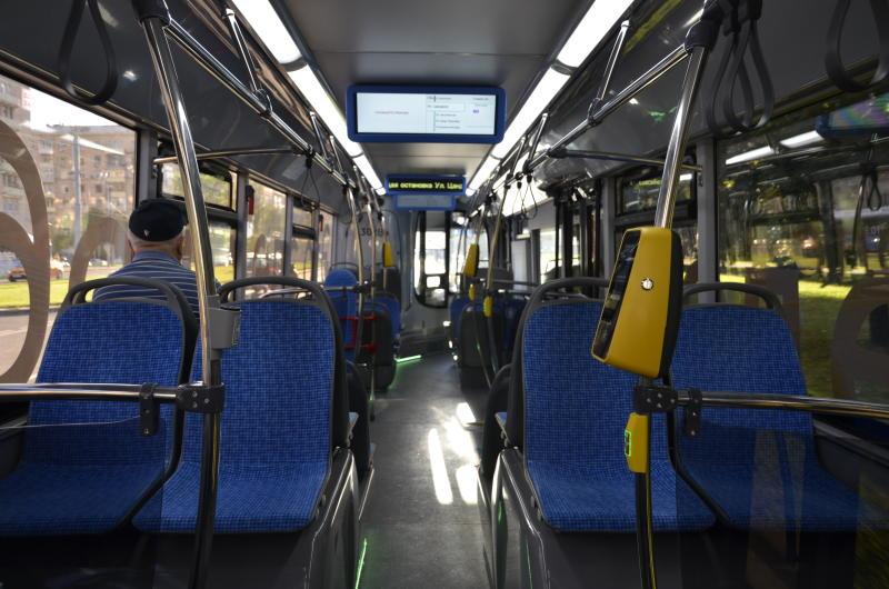 Свыше шести тысяч единиц общественного транспорта оформят к Новому году в столице